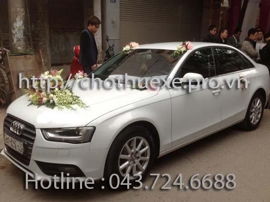 Xe cưới màu trắng Audi A4