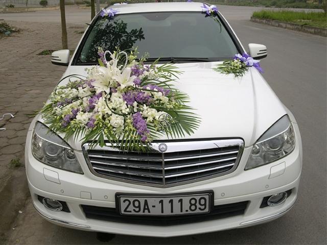 xe cưới màu trắng Mercerdes C250
