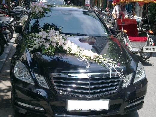 xe cưới hạng sang Mercedes E300