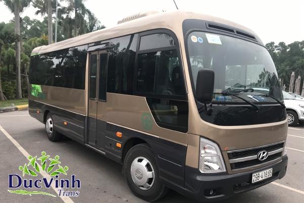 Cho thuê xe cưới 29 chỗ Hyundai County giá rẻ ở Hà Nội
